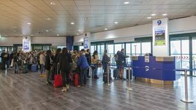Ryanair zmniejsza opłaty za odprawę na lotnisku i zamianę lotu