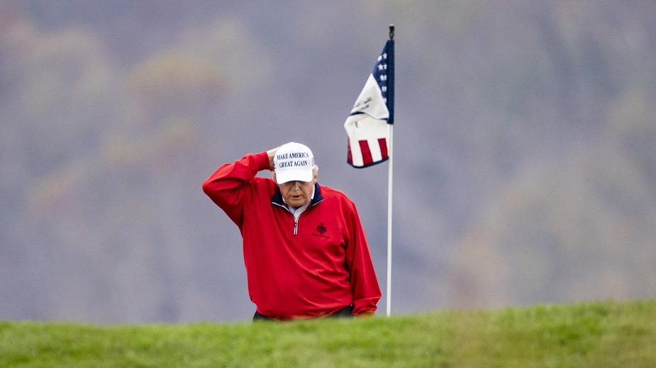 Donald Trump na polu golfowym w Virginii, 21.11.2020 r.