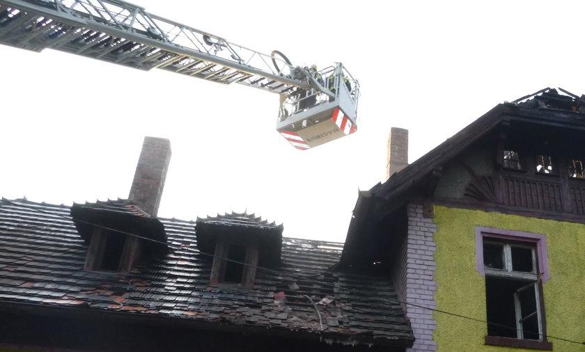 Płonął zabytkowy dworzec w Jastrzębiu-Zdroju.