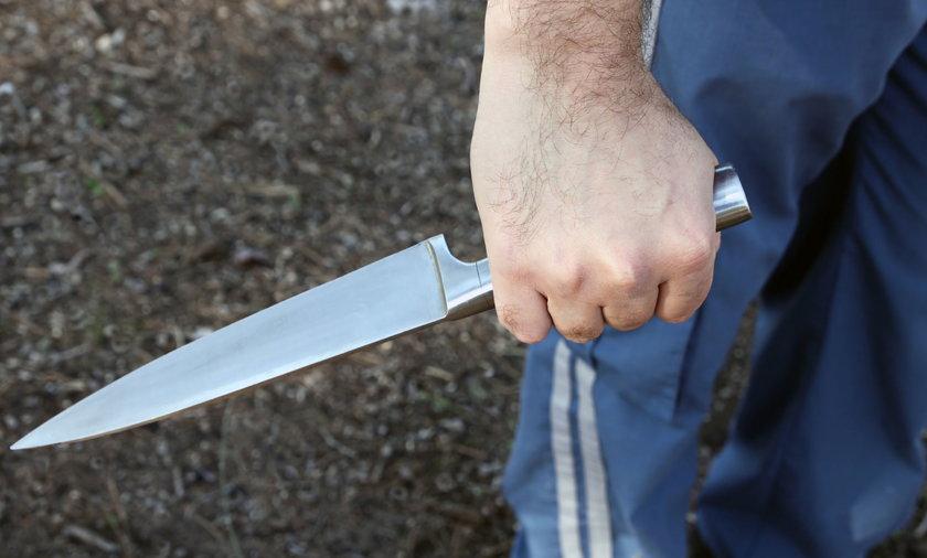 Zabójstwo w Łomży. Z zemsty dźgnął partnera matki nożem