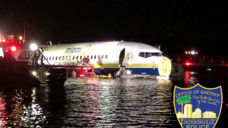 Plane skids off Jacksonville runway into river