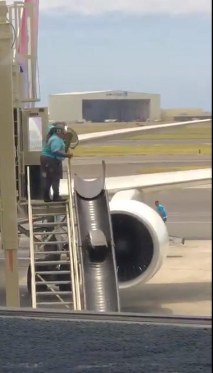avion izbacivanje prtljaga