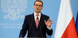 Premier o wizycie Kaczyńskiego na cmentarzu. Emocjonalny wpis