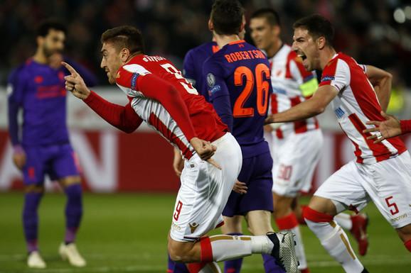Milan Pavkov slavi pogodak protiv Liveprula