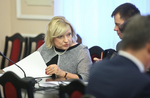 Szefowa KPRM Beata Kempa podczas posiedzenia sejmowej Komisji Administracji i Spraw Wewnętrznych.