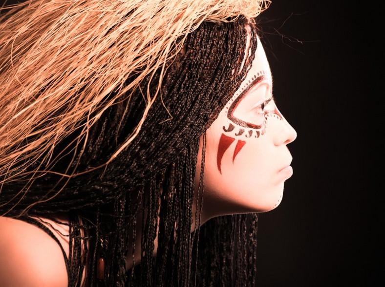 Makijaż inspirowany kulturą Aborygenów