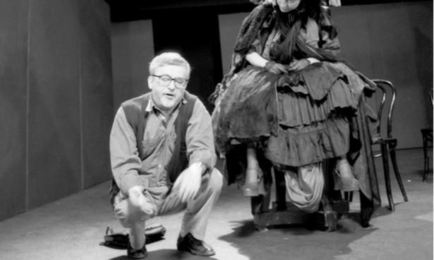 """Tuż przed """"Ślubem"""" Jerzy Jarocki zrealizował dla Teatru Telewizji spektakl """"Non stop show"""" oparty na poezji Tadeusza Różewicza"""