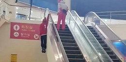 Tak wjechał schodami ruchomymi. Po obejrzeniu wideo opadają szczęki