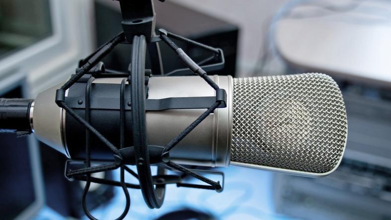 Po 27 dniach strajku radio publiczne nadaje normalnie