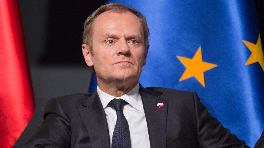 """Tusk dosadnie o rządach PiS. Wyjaśnia znaczenie słowa """"dyktatura"""""""