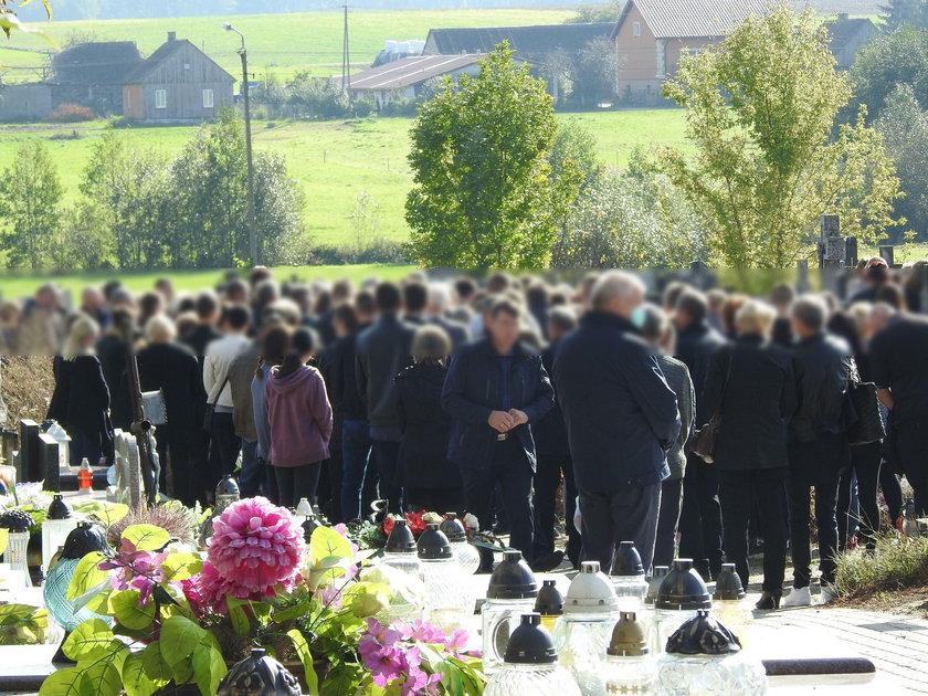 Cała wieś pożegnała Beatę