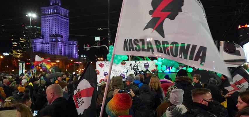 Rocznica wyroku TK w sprawie aborcji. Kobiety znowu wyszły na ulice