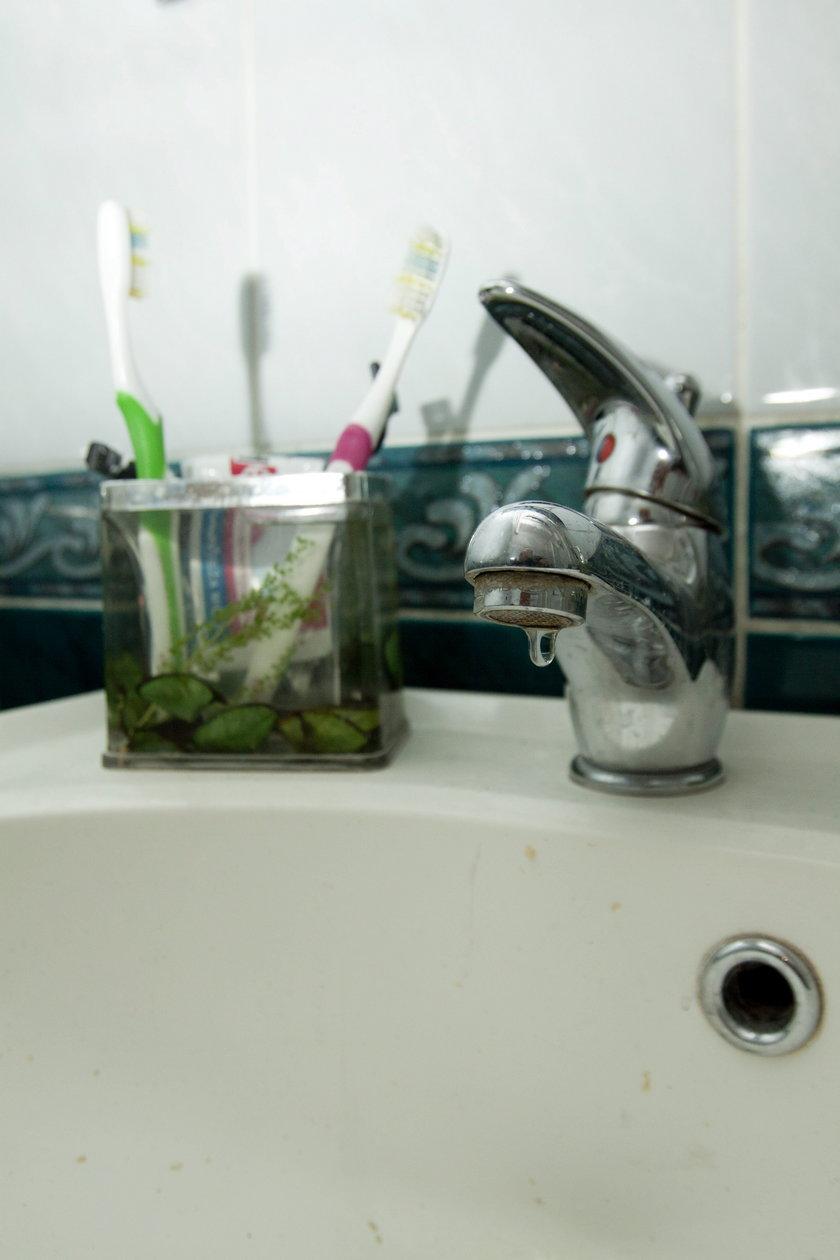 Lokatorzy nie mają wody do mycia