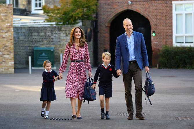 Kejt i Vilijam sa Šarlot i sinom Džordžom