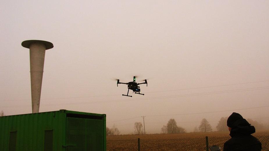 Naukowcy z AGH w Krakowie stworzyli urządzenie, które walczy ze smogiem