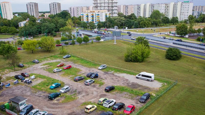 Wielopoziomowe parkingi pomogą kierowcom z Rataj?