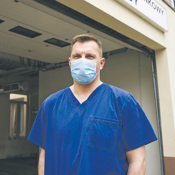 Dymitr Książek, ordynator Szpitalnego Oddziału Ratunkowego Międzyleskiego Szpitala Specjalistycznego w Warszawie