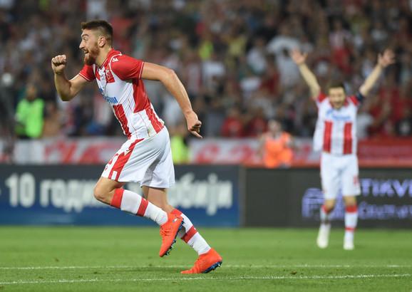 Milan Pavkov slavi gol na meču FK Crvena zvezda - FK Kopenhagen
