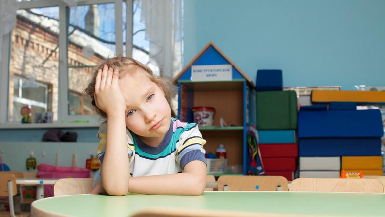 Jak pomóc dziecku przeżyć pierwszą rozłąkę z rodzicami?
