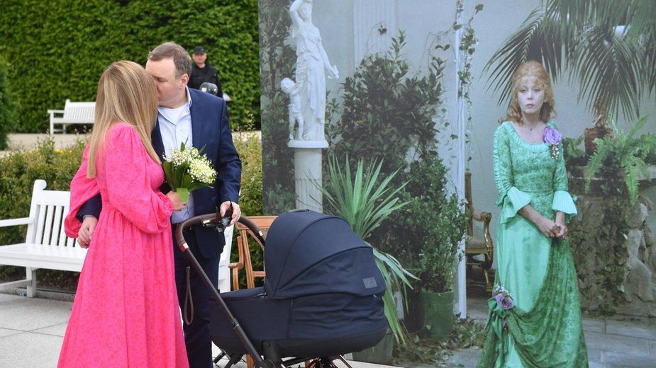 Jacek Kurski z żoną i dzieckiem na Majowym Święcie Kina Ocalonego