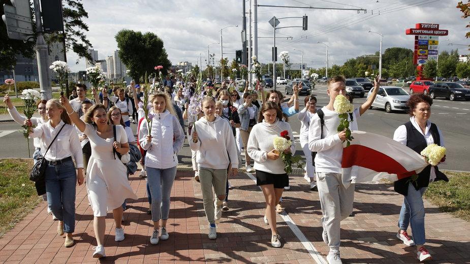 Protestujące na ulicach Mińska kobiety, 13.08.2020 r.