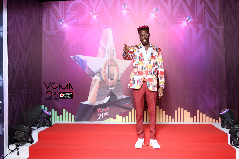 OCck9kpTURBXy82NDg3ZTBjZThlZGQzZmE3MmM5MDk5NjViMmZhZDQwYy5qcGeSlQLNAxQAwsOVAgDNAvjCw4GhMAE - Yawa! Photos of the worse-dressed celebrities at the VGMA finally out (Photos)