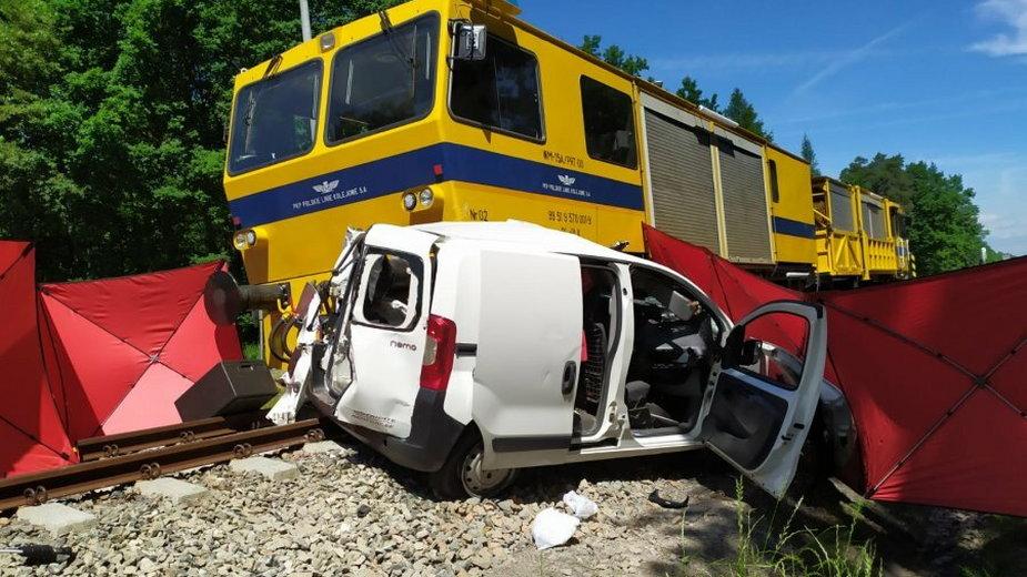 Wypadek na przejeździe kolejowym w Brzeźnicy