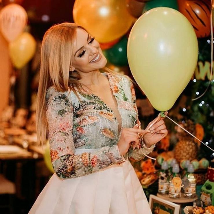 Jelena Kostov 1