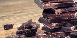 Nie tylko smaczna! Na co działa gorzka czekolada?