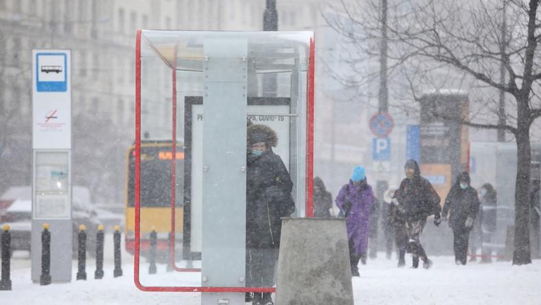 Atak zimy w Warszawie PAP/Leszek Szymański