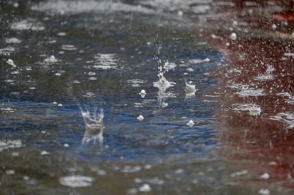 Gledajući Beograd i Srbiju, najveća količina padavina je tokom maja i juna, a najmanja na kraju zime