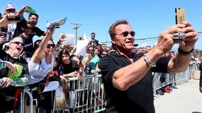 Nieślubny syn Schwarzeneggera skończył liceum. 17-latek wygląda jak sobowtór ojca