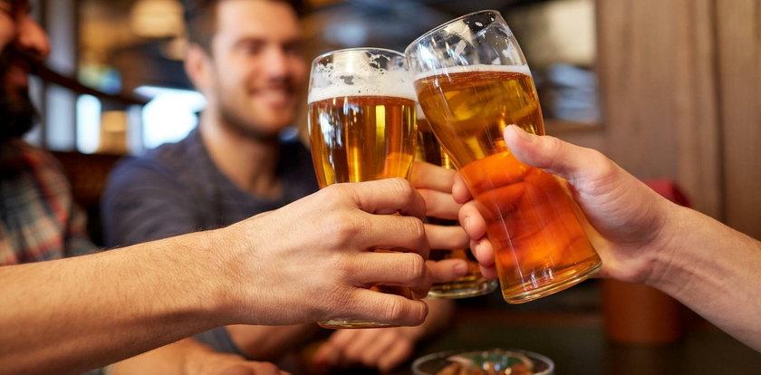 Oto kwota, którą Polacy wydają na piwo. Robi wrażenie