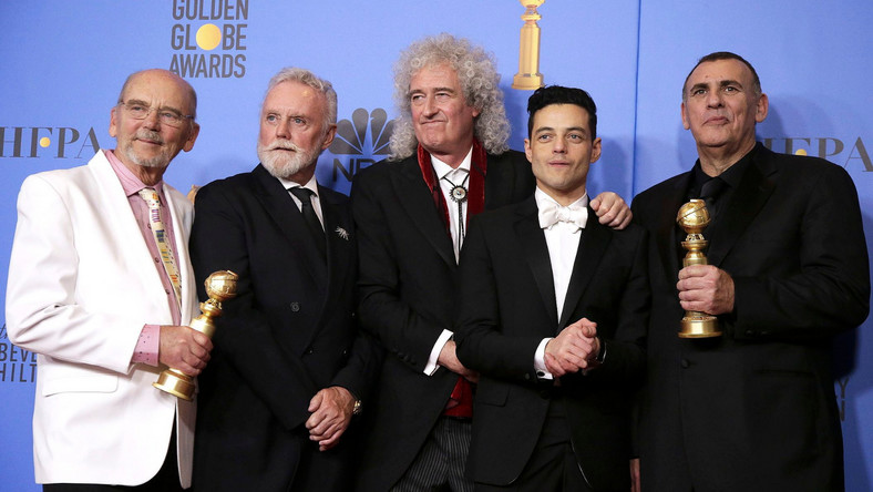 Jim Beach, Roger Taylor i Brian May z Queen, Rami Malek, Graham King ze Złotymi Globami