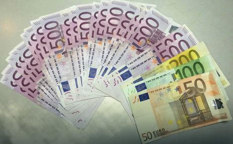 Novac i predmete od vrednosti treba ostaviti u sefu u banci ili kod osobe od poverenja