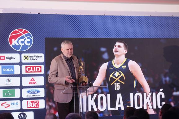 Branislav Jokić primio je nagradu u ime sina Nikole