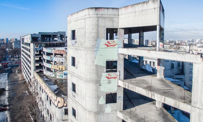 Ruina zamiast parkingu