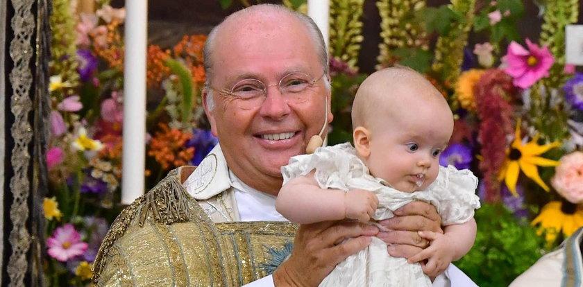 Książę Karol Filip i jego żona ochrzcili syna [ZDJĘCIA]