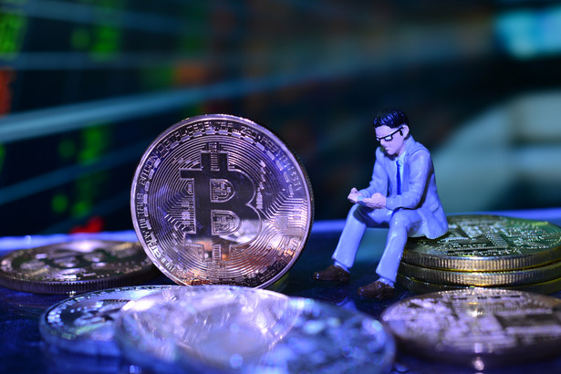 """Twórca Bitcoina, Satoshi Nakamoto, zakładał, że jego kryptowaluta będzie jak swoiste """"nowe złoto"""", tyle że cyfrowe."""