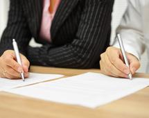 Postępowania przed sądem arbitrażowym są jednoinstancyjne i poufne.