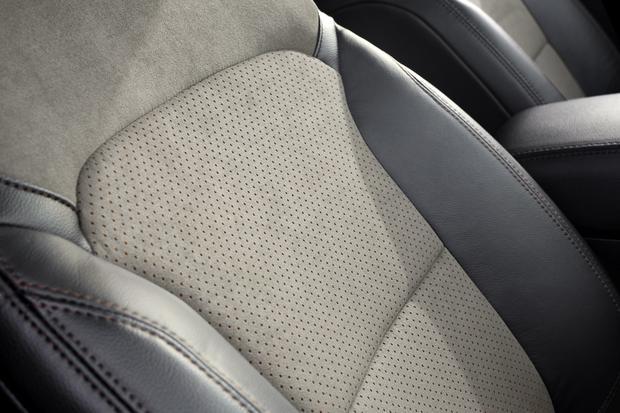 Pianka z soi wykorzystywana jest w zagłówkach, siedziskach oraz w oparciach foteli. Ford