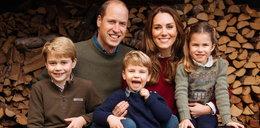 William i Kate z dziećmi na świątecznym zdjęciu. Ostatnie w takim składzie?