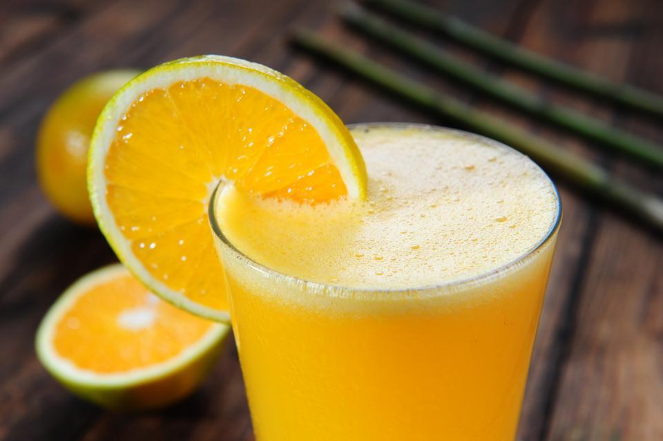 9. Sok pomarańczowy - chroni oczy