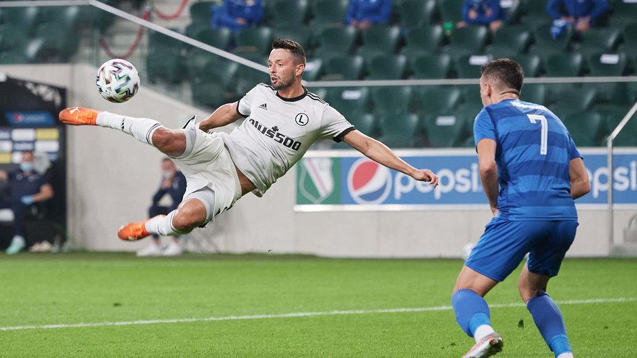 Mateusz Wieteska strzelił gola w meczu z Drita FC. Gole w starciu z Qarabagiem będą warte kilkadziesiąt milionów złotych.