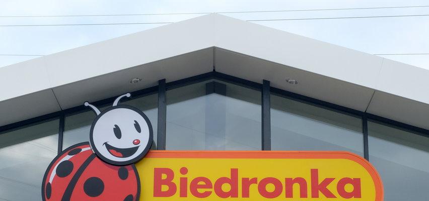 Niedziele handlowe 2021. Które sklepy Biedronki  i Dino będą otwarte w niedziele?