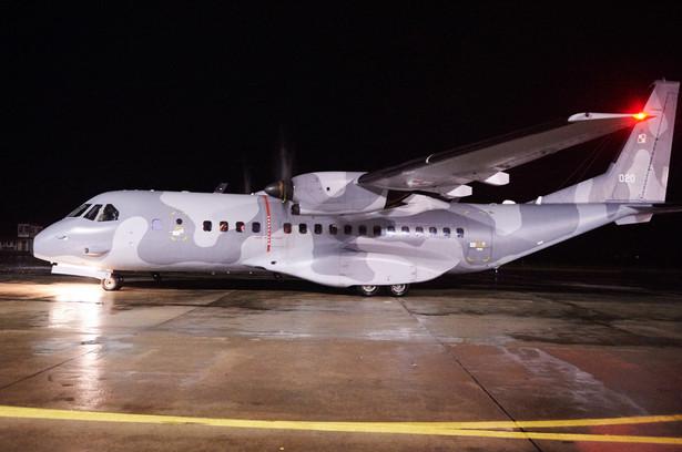 Do Malborka przyleciało dziś trzema samolotami wojskowymi 149 Polaków z Mariupola, leżącego w strefie walk na wschodzie Ukrainy