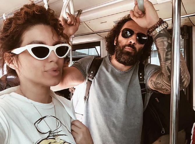 Seka i Veljko su rado podelili sliku iz autobusa na putu do aerodroma