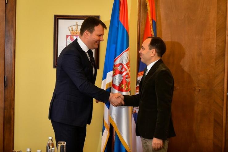 Igor Mirović razgovarao je danas sa ambasadorom Turske Tanžuom Bilgičem01