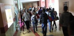 Koszmarna wpadka radnych PiS. Zlikwidowali w maju wszystkie gimnazja w mieście!