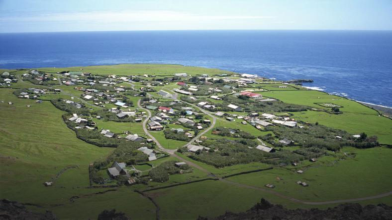 Znalezione obrazy dla zapytania Tristan da Cunha